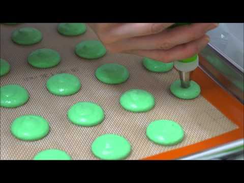 Making of macarons