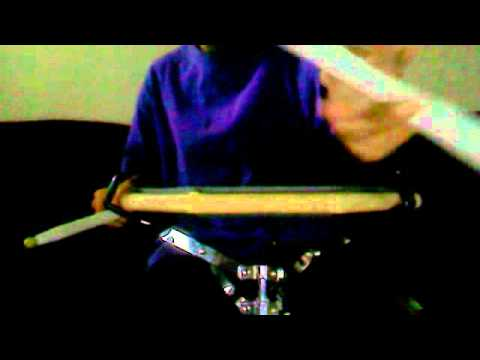 how to hold traditional grip &  my snare solo
