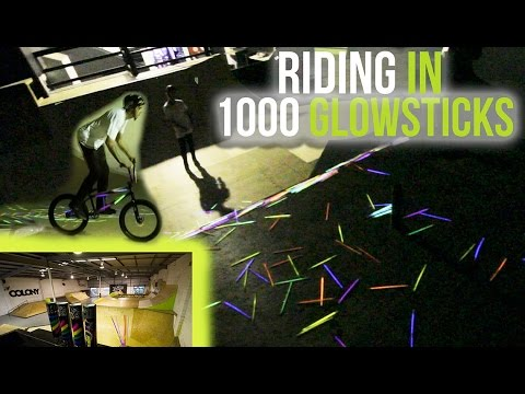 RIDING A SKATEPARK WITH 1000 GLOWSTICKS!! (BMX)