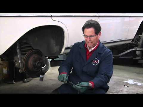 Gravity Brake Bleeding / Flushing Method For 30+ Year Old Cars