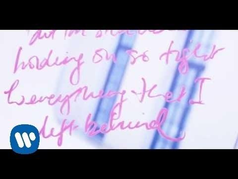 """¡Kylie Minogue regresa más romántica que nunca con el nuevo vídeo musical de su single """"Into The Blue""""!"""