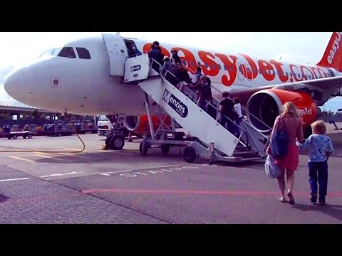 Flying in Europe is SUPER CHEAP! Amsterdam to Lisbon on EasyJet