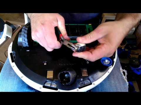 How to Clean Front Wheel of a iRobot Roomba 500