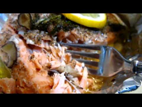 Cooking - Baked salmon in foil