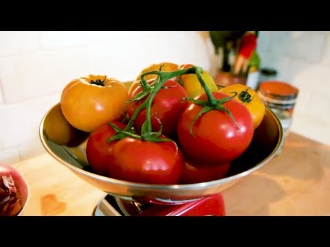 Quick Tip: How To Pick a Good Tomato