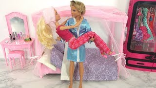 Barbie and Ken doll Bedroom Bathroom Kitchen Breakfast Morning Routine