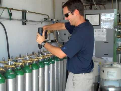 Mobile Medical Oxygen Cylinder Filling 2009