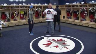 Gotta See It: Jets players freak out as Brock Lesnar breaks sacred dressing room rule