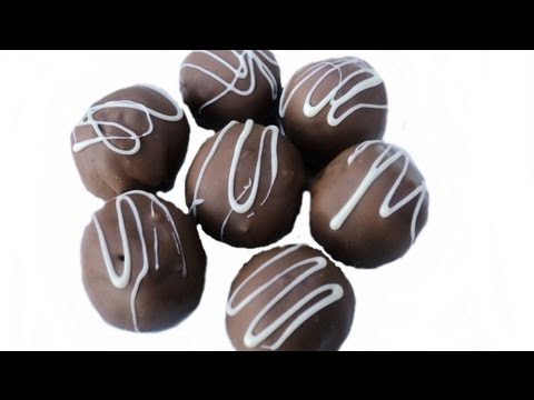 HOW TO MAKE OREO TRUFFLES