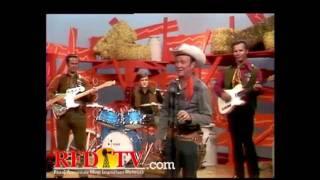 Roy Rogers sings on Hee Haw