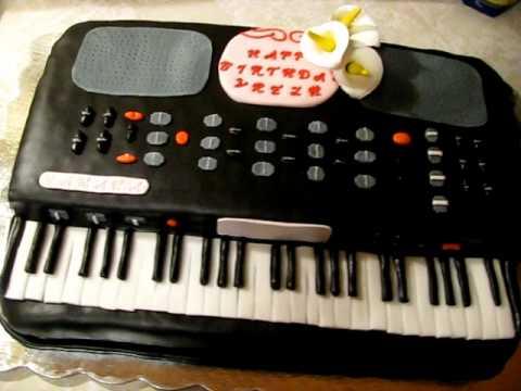 Keyboard Piano cake
