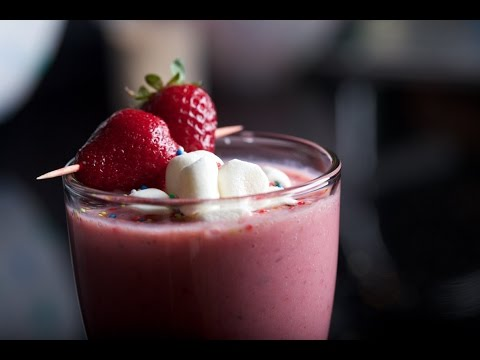 Strawberry Milkshake Recipe - Aha Emi Ruchi