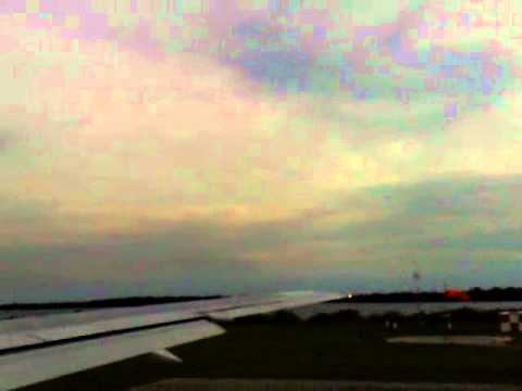 Take off from Aruba in a Thomson First Choice B767