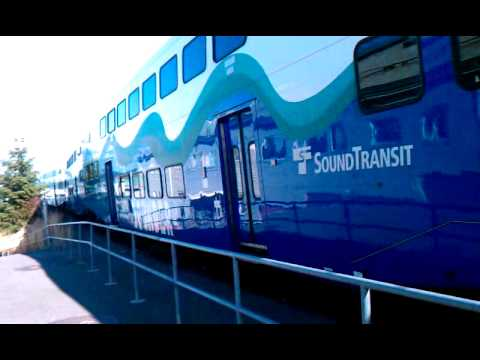 Sounder pulling into Tacoma Dome Station