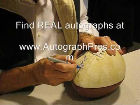 Frank Gifford signs autographs at his book signing at Borders on Broadway in NY, NY.