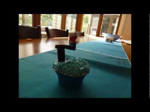 Decorating Cupcakes: Diving Board Cupcake