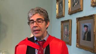 David Nott receives the Outstanding Alumnus award from The University of Manchester