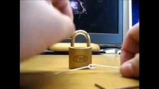 Aprire lucchetto senza chiavi (graffetta) - risposta a l