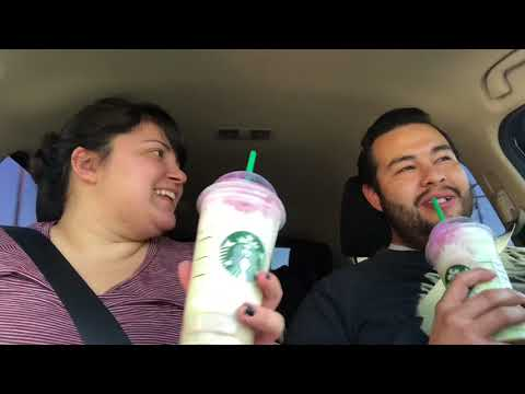 We try the Zombie Frappuccino from Starbucks !