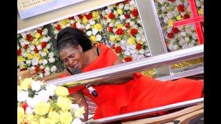 Rose Muhando kwa mara ya kwanza tangia Bishop Dr  Gertrude Rwakatare afariki asababisha vilio tena