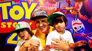 Download Vamos al ESTRENO de TOY STORY 4 y a ver TODOS los JUGUETES de la PELI en DISNEY STORE !! Video