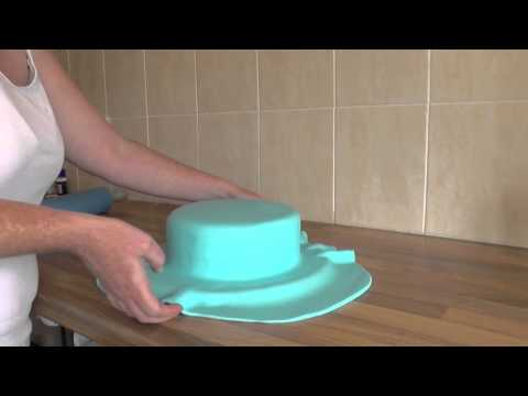 Full Tutorial - 2 Tier George Pig Cake - Icing The Cake - Part 1