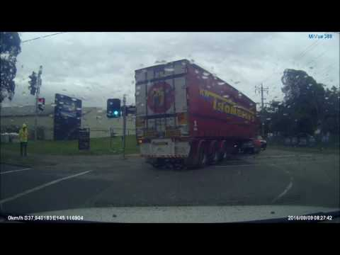 Truck Running Red Light Clayton Road Melbourne