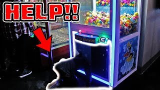 KID CAUGHT BREAKING INTO CLAW MACHINE!
