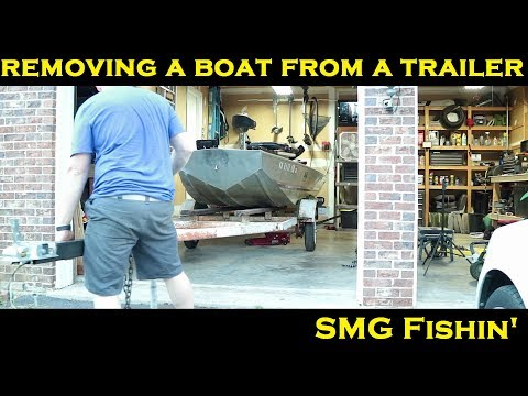 Removing a Boat from a Trailer | Jon Boat to Bass Boat Restoration