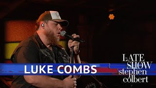 Luke Combs Performs
