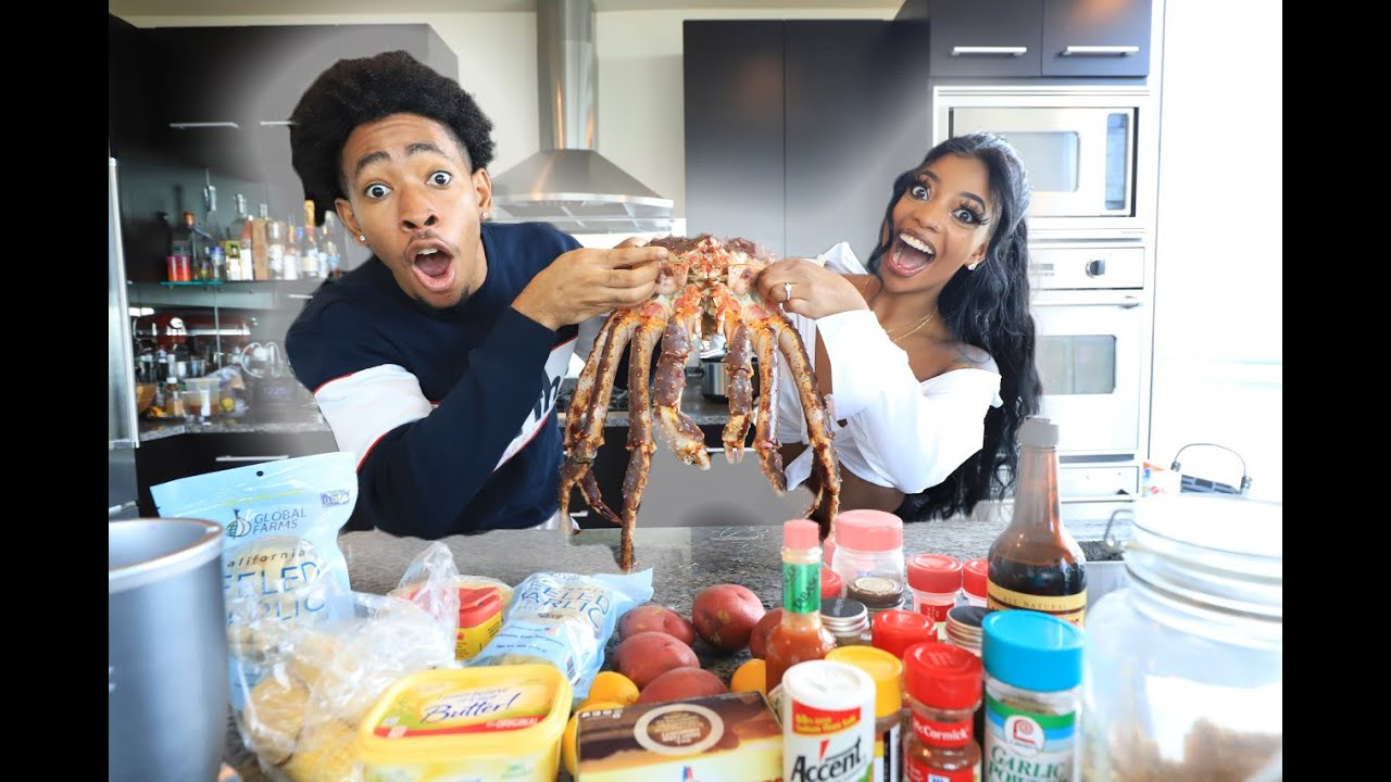 SEAFOOD BOIL WITH A 10LBS LIVE KING CRAB | COOKING WITH DK4L