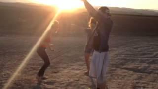 iKevin - Roadside Dance Party