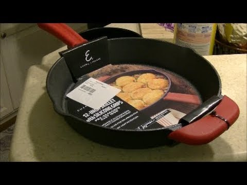 Emeril Lagasse Pre Seasoned Cast Iron Skillet Uboxing cooking cleaning review