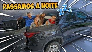 Download PASSAMOS A NOITE NA CAÇAMBA DO CARRO! - KIDS FUN Video