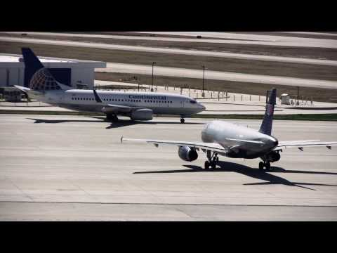 Airplane Spotting at Houston Intercontinental Airport (IAH)
