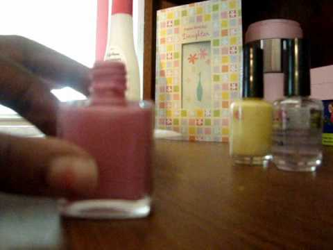 How to make your own peach colored nail polish