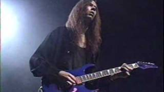 paul gilbert guitar solo found in the Terrifying guitar Trip DVD