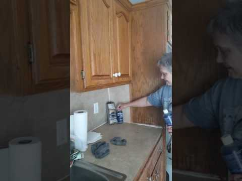 Kitchen cabinets can look new again!