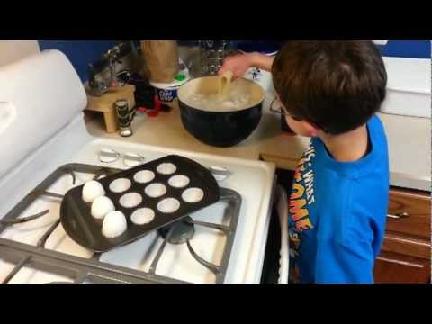 Perfect Hard Boiled Eggs (by baking them)