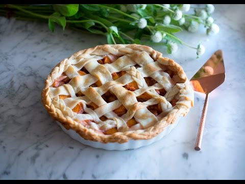How to Make Peach and Cherry Pie