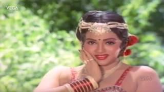 Vaazha Pazhuthirukku Video Song   Rajathi Rojakili Tamil Movie Songs   Suresh   Sulakshana