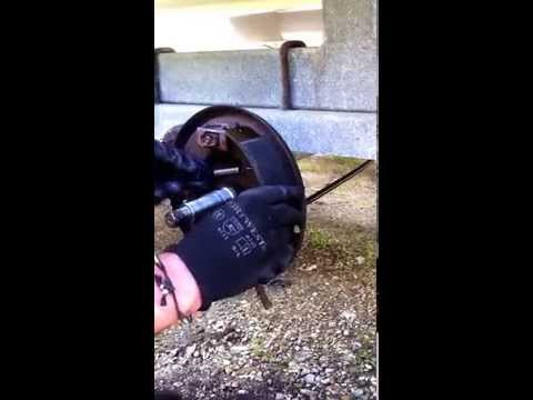 How to install UK Knott trailer brake shoes