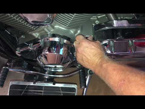 How to Change the Oil in a 2005 Honda VTX 1800
