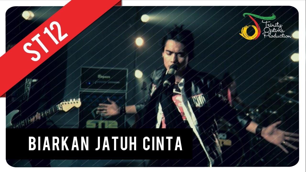 Download ST12 - Biarkan Jatuh Cinta MP3 Gratis