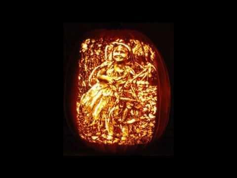 StoneyKins.com  Custom Pumpkin Carving