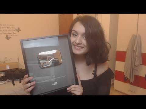 100,000 SUBSCRIBERS PLAQUE