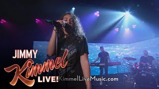 """Alessia Cara Performs """"Scars To Your Beautiful"""""""