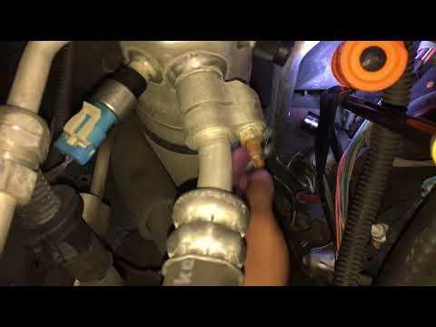 Spark Plug Removal Trick - 5.3L NNBS Tahoe 07-14