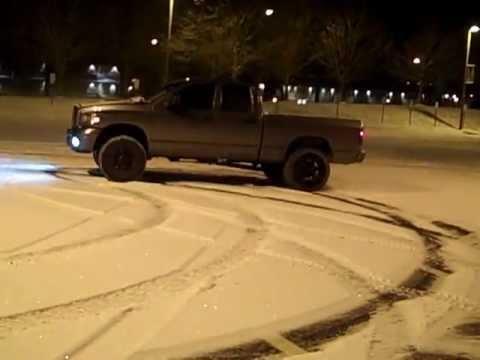 2006 Cummins Snow Drifting