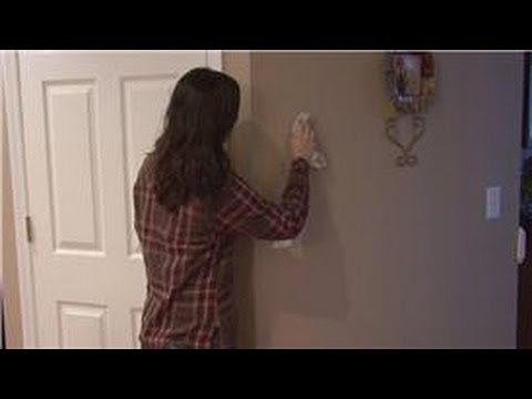 Housecleaning Tips : How to Clean Non-Washable Painted Walls
